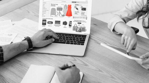 פתיחת חנות בגדים באינטרנט